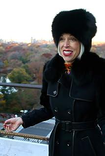 Linda Fargo Picture