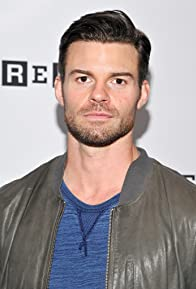 Primary photo for Daniel Gillies