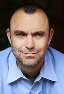 Aron Eli Coleite Picture