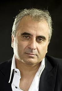 Primary photo for Barry Navidi