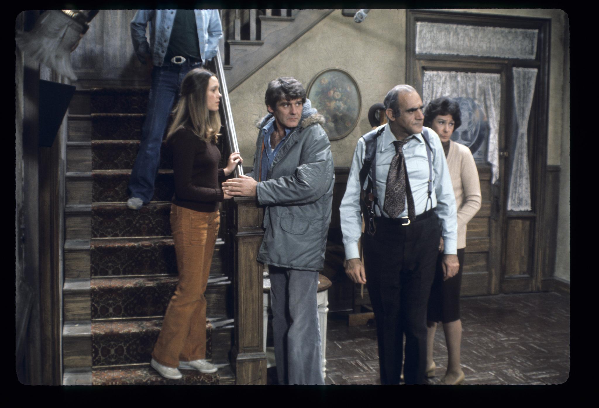 Abe Vigoda, Richard Schaal, Wendy Schaal, and Florence Stanley in Fish (1977)