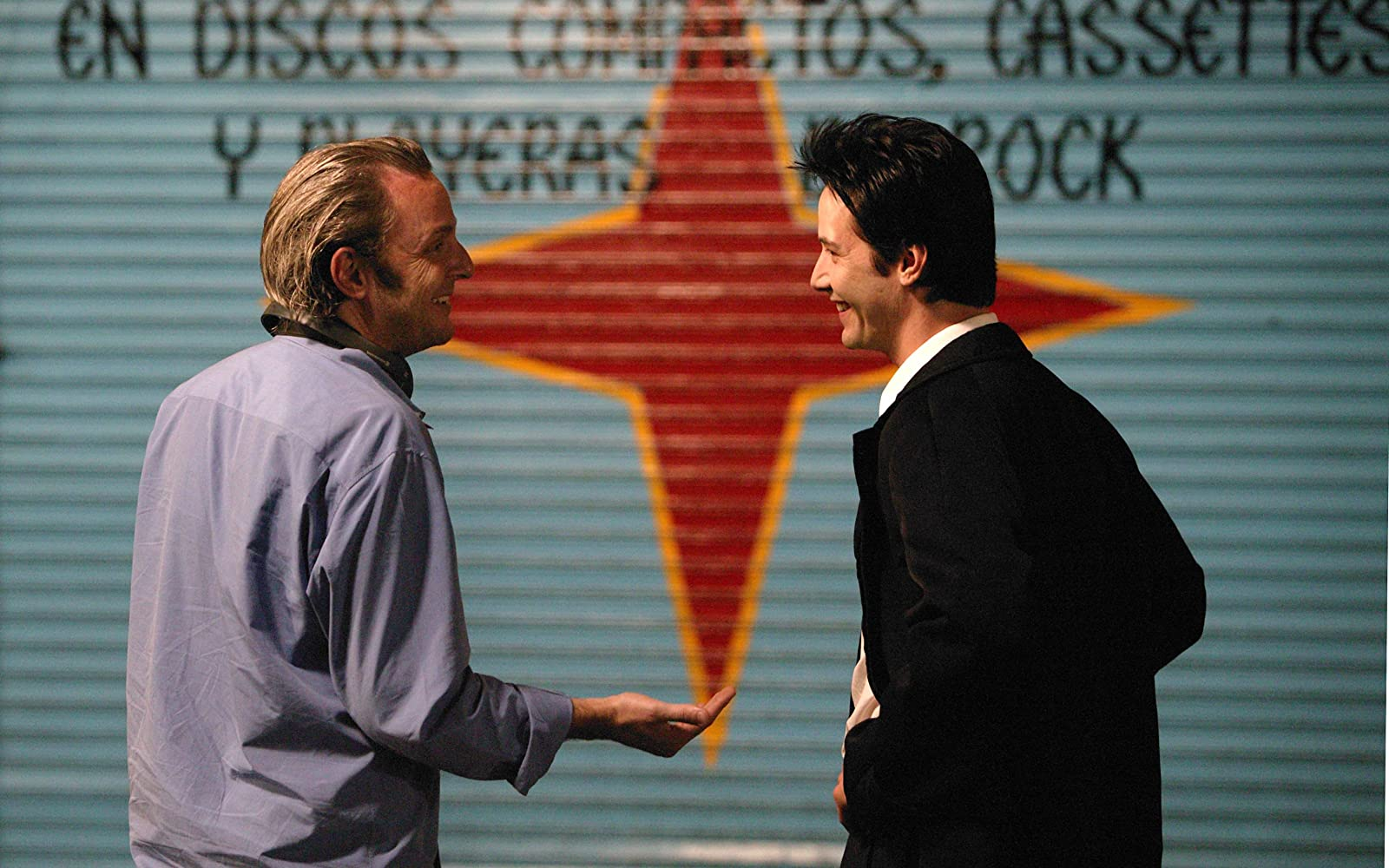 Keanu Reeves and Francis Lawrence in Constantine (2005)