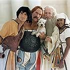 Gérard Depardieu, Edouard Baer, Jamel Debbouze, and Claude Rich in Astérix & Obélix: Mission Cléopâtre (2002)