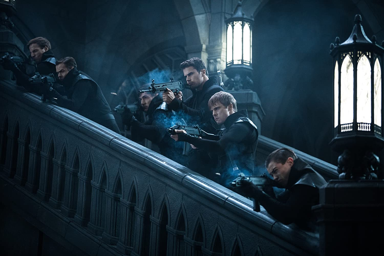 Bradley James and Theo James in Underworld: Blood Wars (2016)