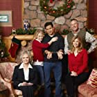 Timothy Bottoms, June Lockhart, Melissa Joan Hart, Mario Lopez, and Markie Post in Holiday in Handcuffs (2007)