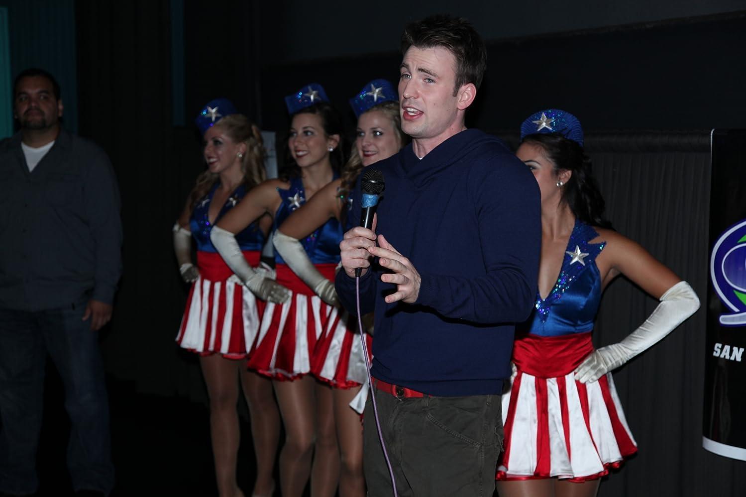 Karakter Captain America diperankan oleh Chris Evans.