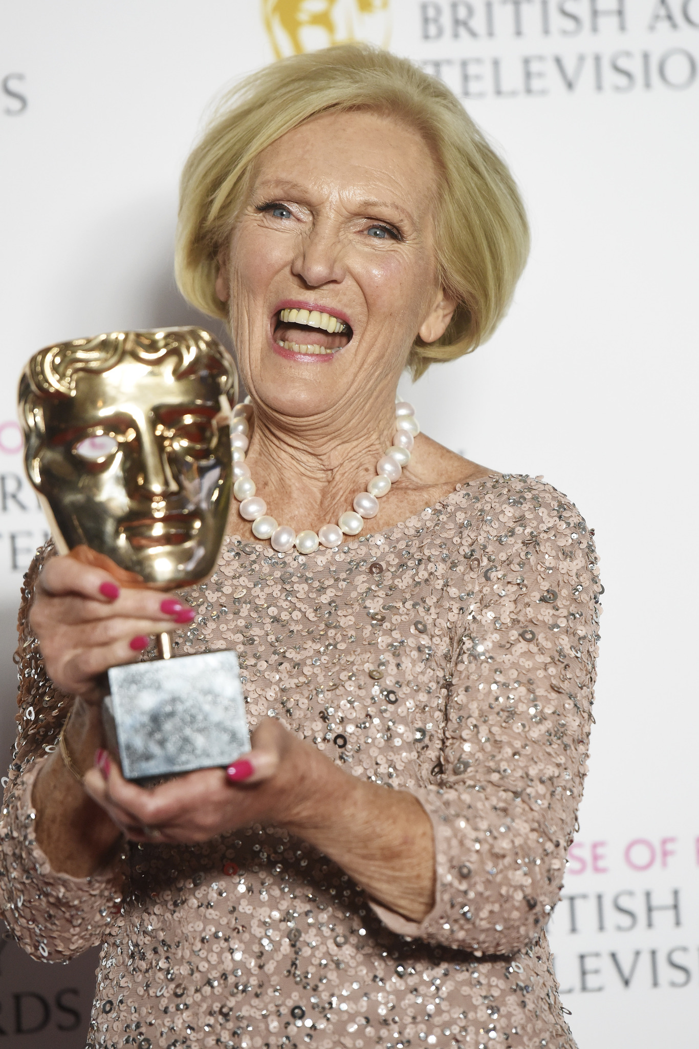 How Old Is Mary Berry What Is Her Net Worth And When Does Her New Bbc Show Start Metro News
