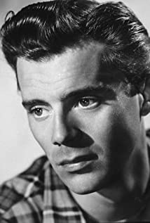 Dirk Bogarde New Picture - Celebrity Forum, News, Rumors, Gossip