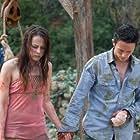 Jonathan Tucker and Jena Malone in The Ruins (2008)