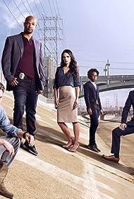 Damon Wayans, Jordana Brewster, Clayne Crawford, Kevin Rahm, Keesha Sharp, and Johnathan Fernandez in Lethal Weapon (2016)