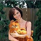 Bill Murray and Jennifer Love Hewitt in Garfield (2004)