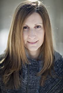 Leah Warshawski Picture
