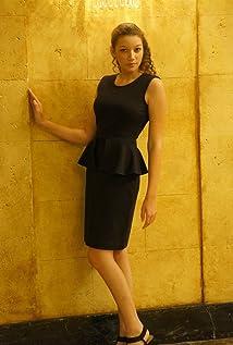 Julia Holt Picture