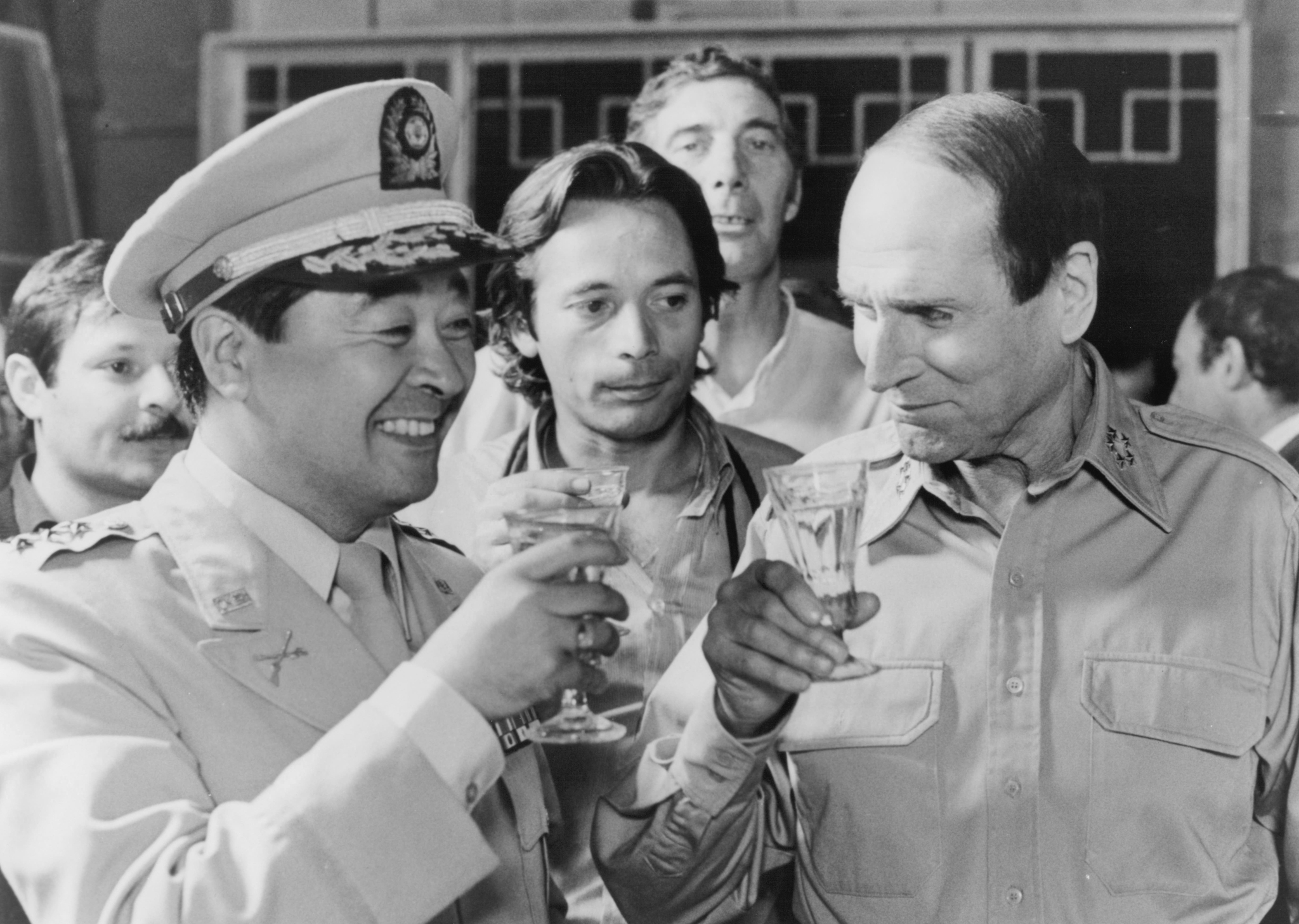 Laurence Olivier and Kung-won Nam in Inchon (1981)
