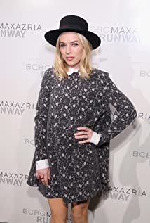 ZZ Ward Picture