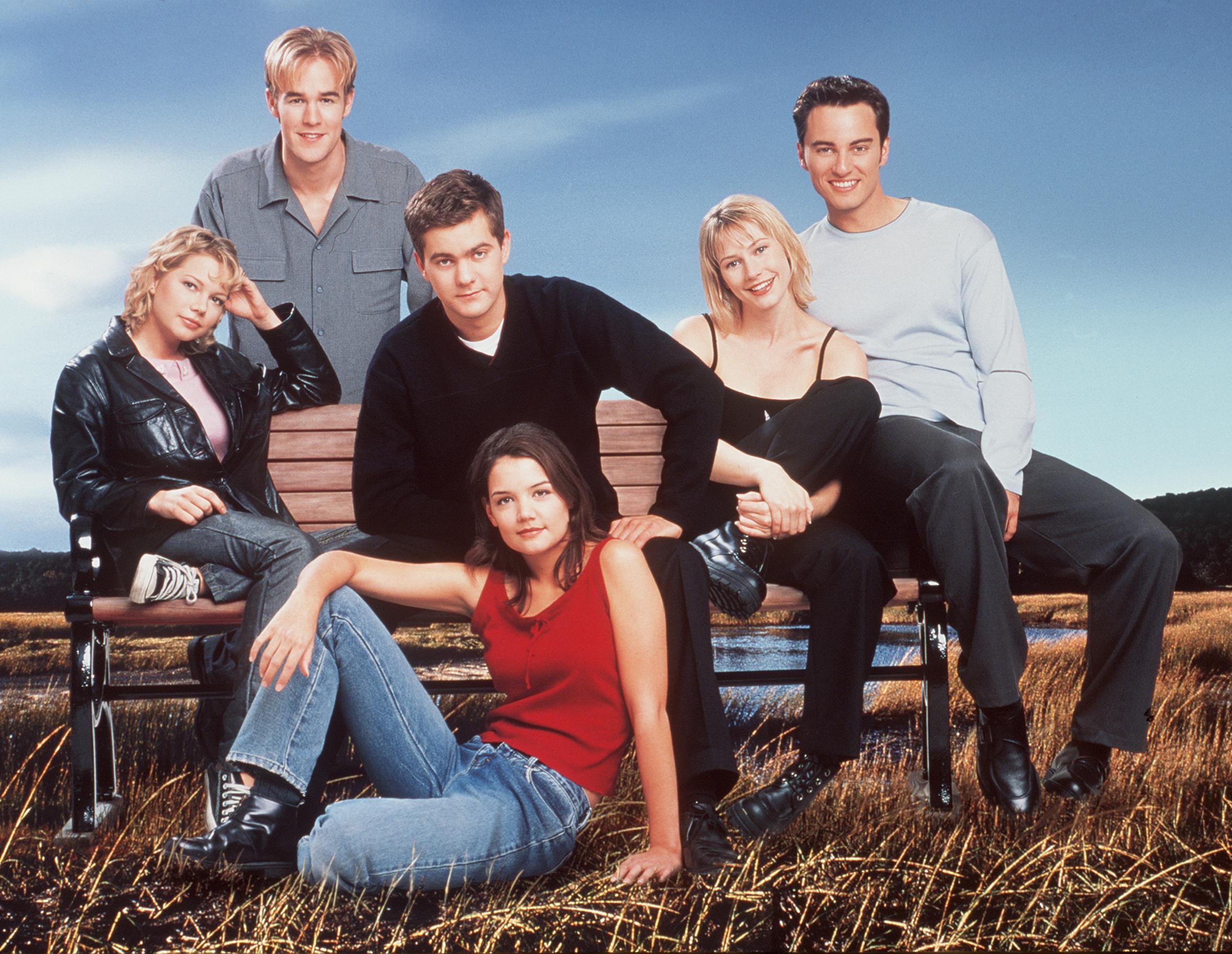 James Van Der Beek, Katie Holmes, Joshua Jackson, Meredith Monroe, Kerr Smith, and Michelle Williams in Dawson's Creek (1998)
