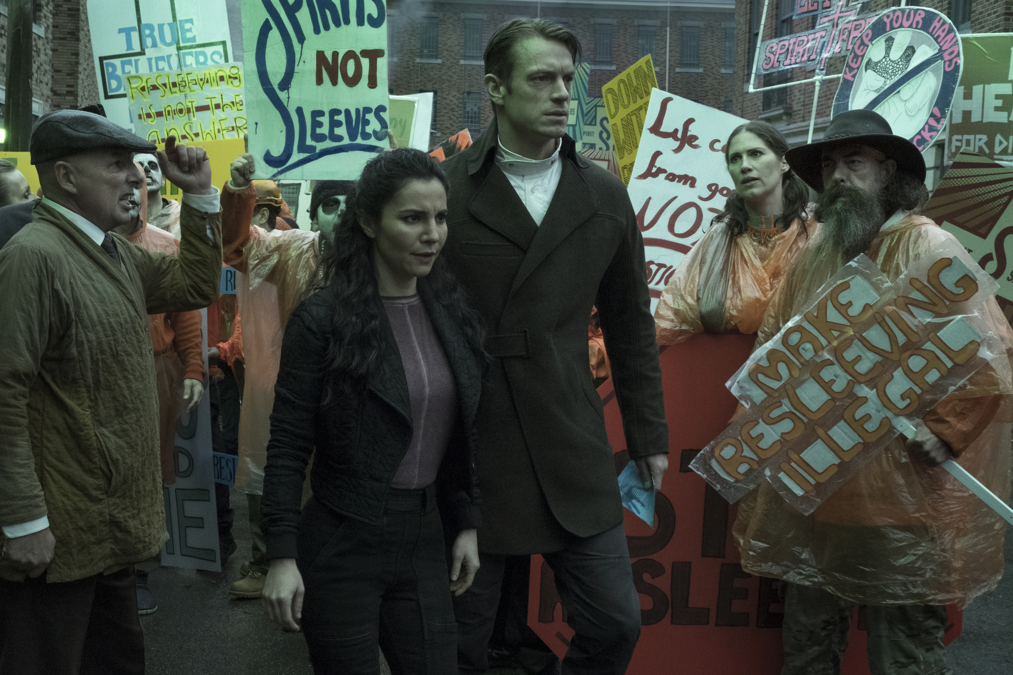 Martha Higareda and Joel Kinnaman in Altered Carbon (2018)