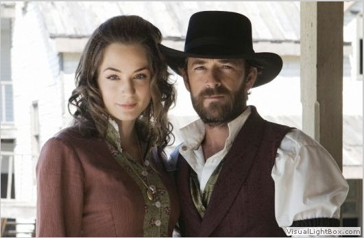 Still of Lara Gilchrist and Luke Perry in Goodnight For Justice