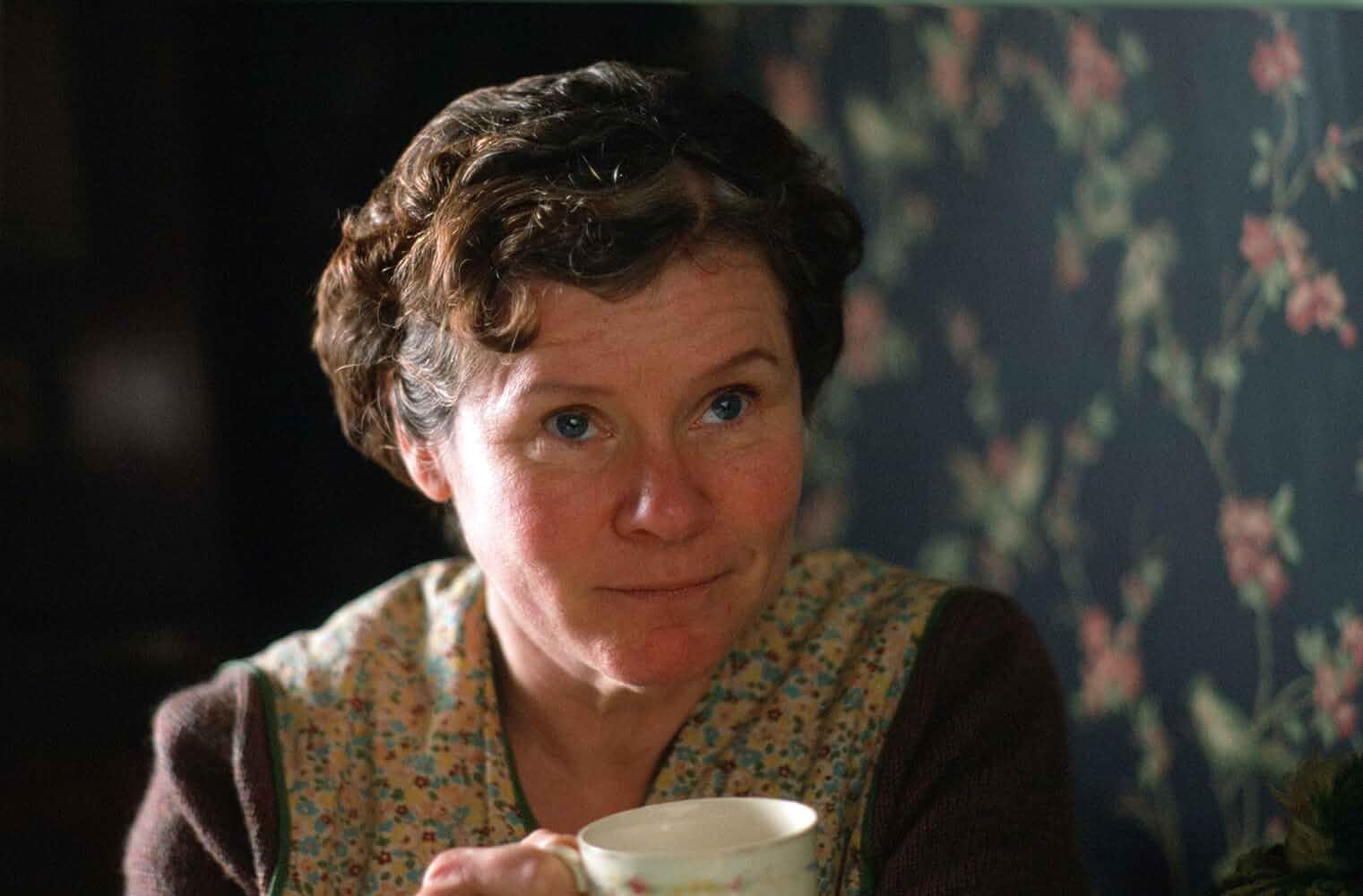 Imelda Staunton in Vera Drake (2004)