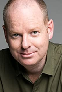 Tom Gleeson Picture