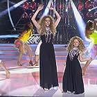 Anna Simon and Nayra Gomar in Tu cara me suena mini - España (2014)