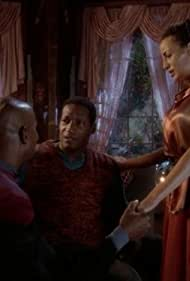 Avery Brooks, Galyn Görg, and Tony Todd in Star Trek: Deep Space Nine (1993)