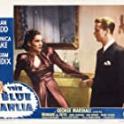 Alan Ladd and Doris Dowling in The Blue Dahlia (1946)