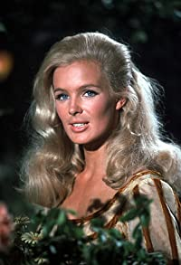 Primary photo for Linda Evans
