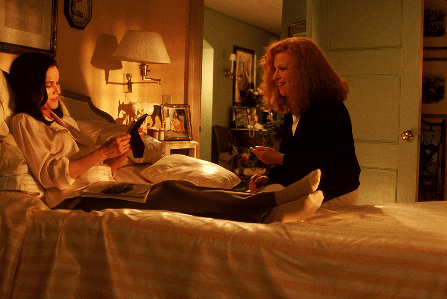Bette Midler and Barbara Hershey in Beaches (1988)