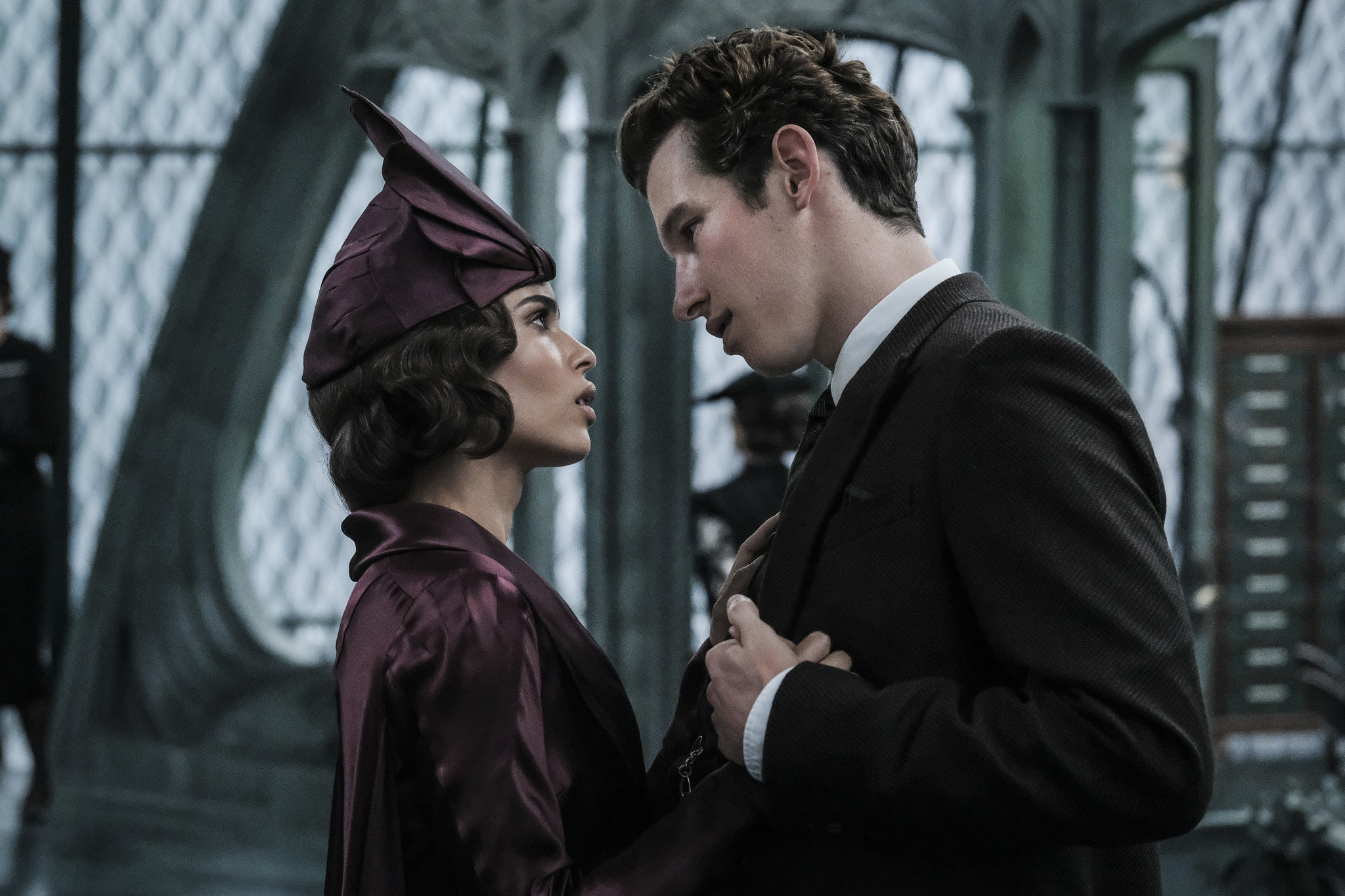 Zoë Kravitz and Callum Turner in Fantastic Beasts: The Crimes of Grindelwald (2018)