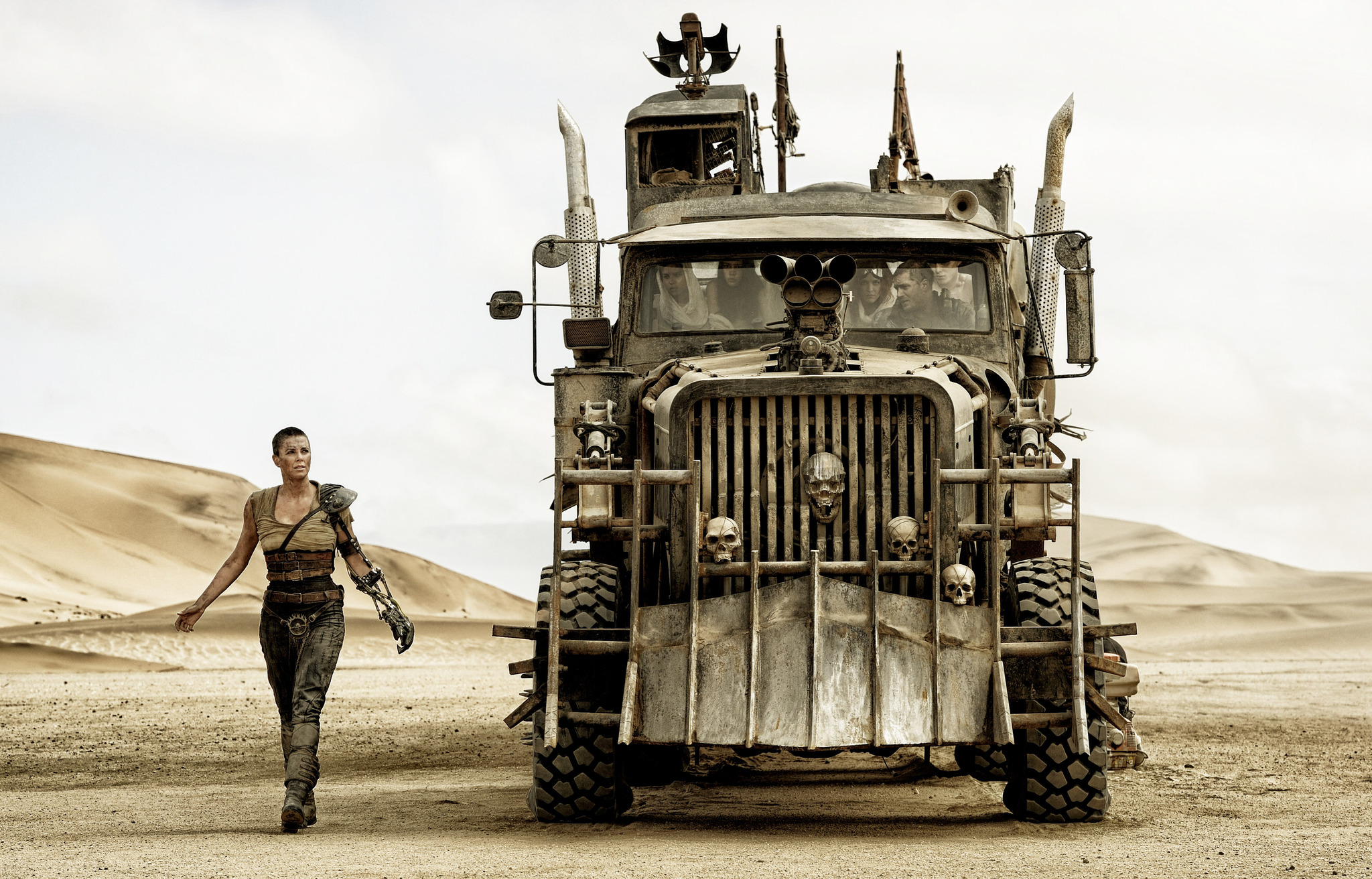 Charlize Theron, Tom Hardy, Nicholas Hoult, Riley Keough, Rosie Huntington-Whiteley, and Courtney Eaton in Mad Max: Fury Road (2015)