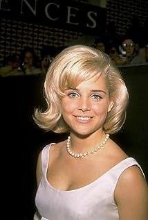 Sue Lyon New Picture - Celebrity Forum, News, Rumors, Gossip