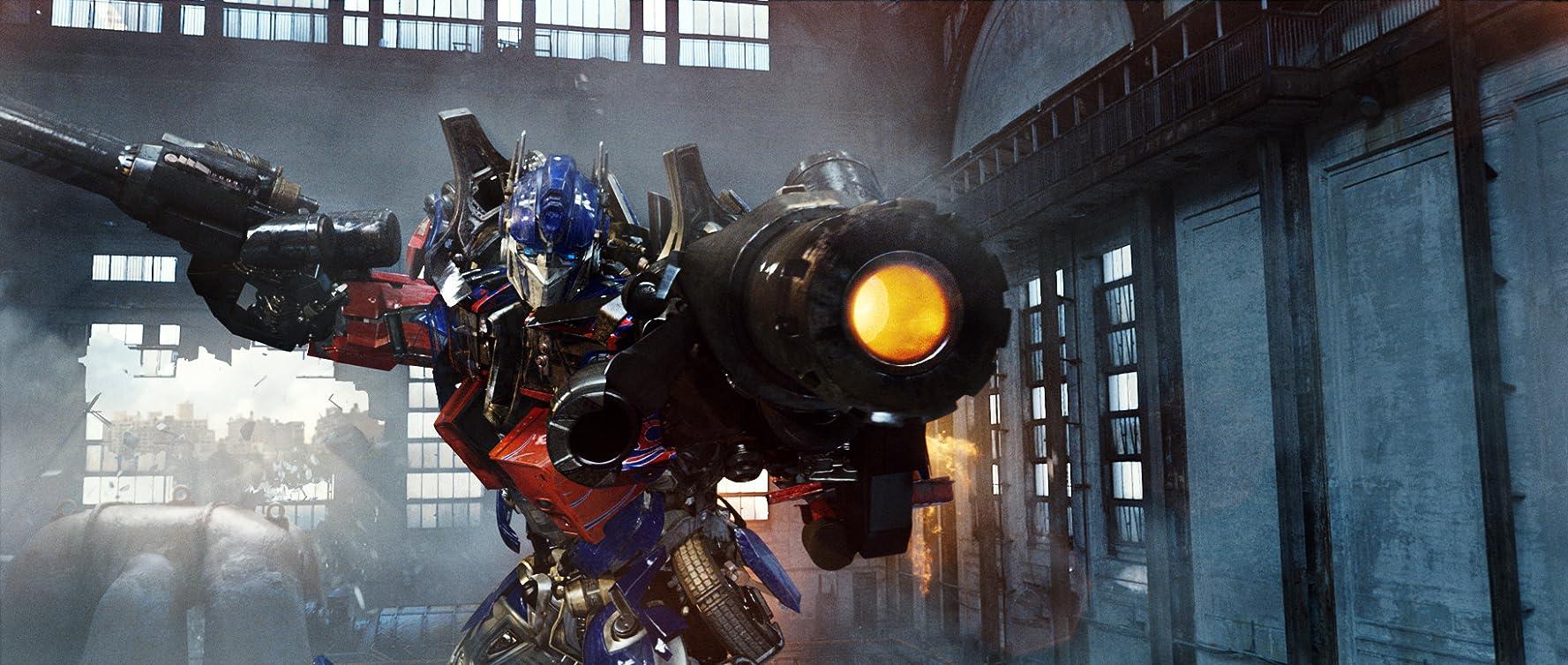 Peter Cullen in Transformers: Revenge of the Fallen (2009)