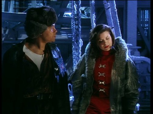 Chloë Annett and Craig Charles in Red Dwarf (1988)
