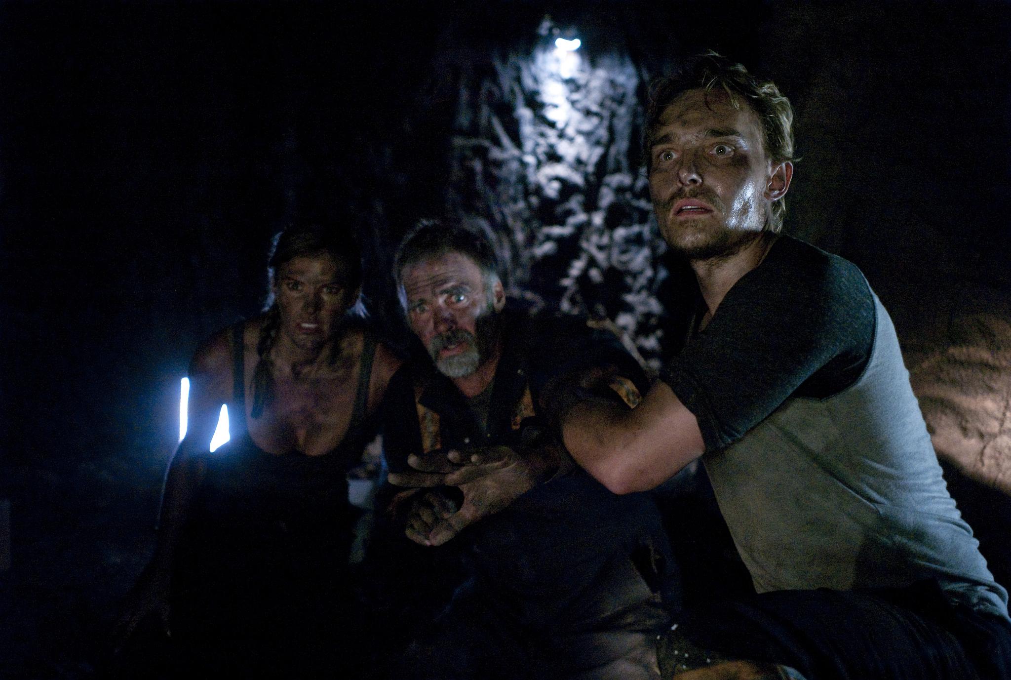 Jeff Fahey, Joey Kern, and Kelly Noonan in Beneath (2013)