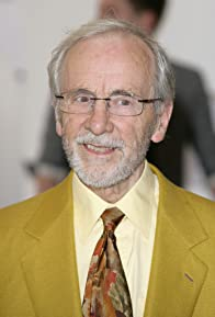 Primary photo for Andrew Sachs