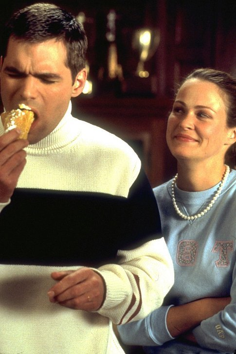 D.I.K. fraternity member Richard Bagg (DANIEL COSGROVE) and his eager assistant Jeannie (EMILY RUTHERFURD) enjoy an éclair, courtesy of Van Wilder