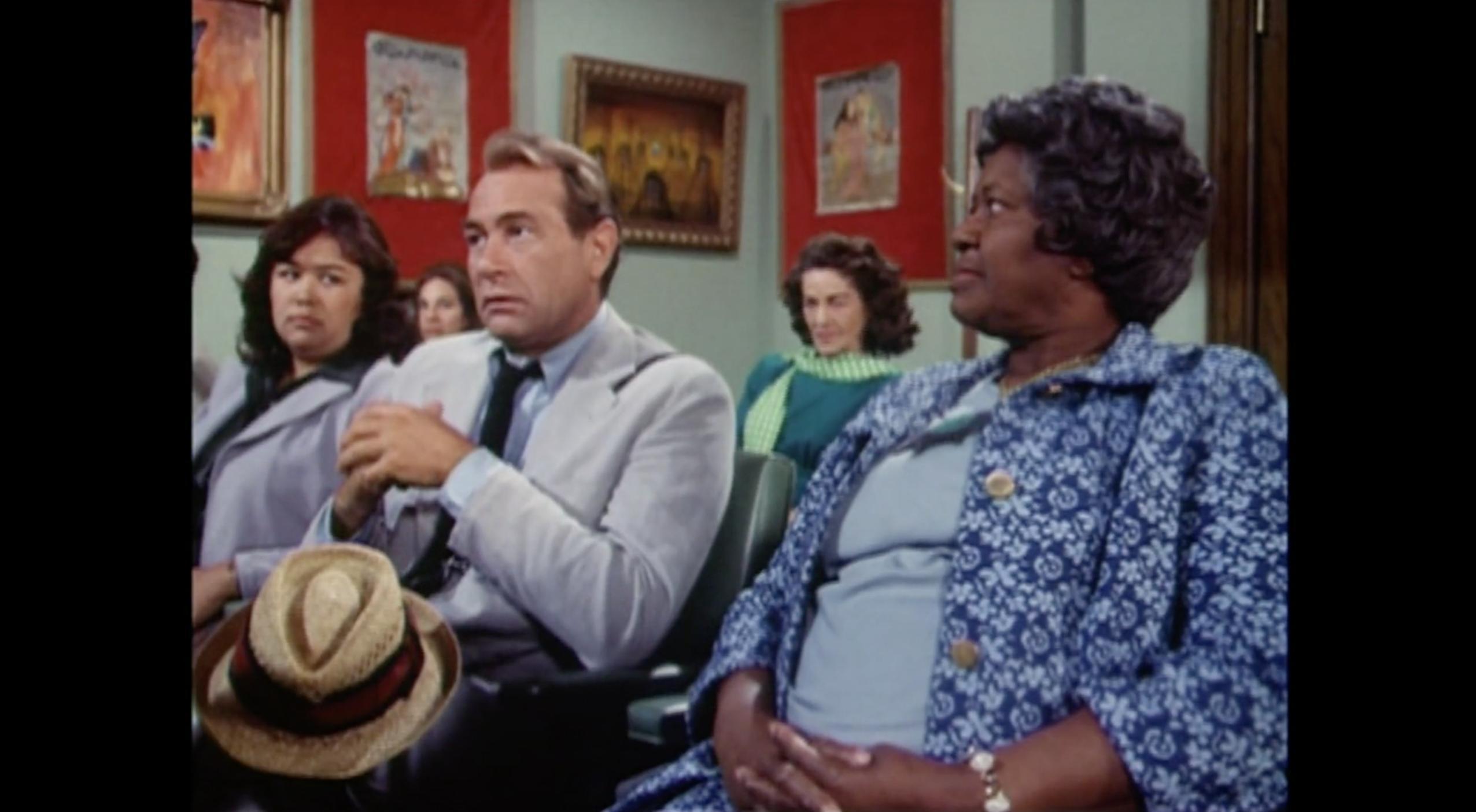 Ella Mae Brown, Darren McGavin, and Kellye Nakahara in Kolchak: The Night Stalker (1974)