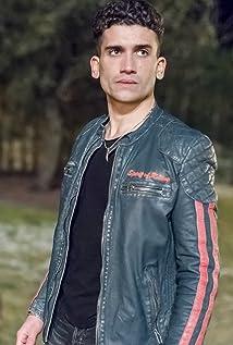 Jaime Lorente Picture