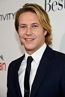 Luke Bracey Picture