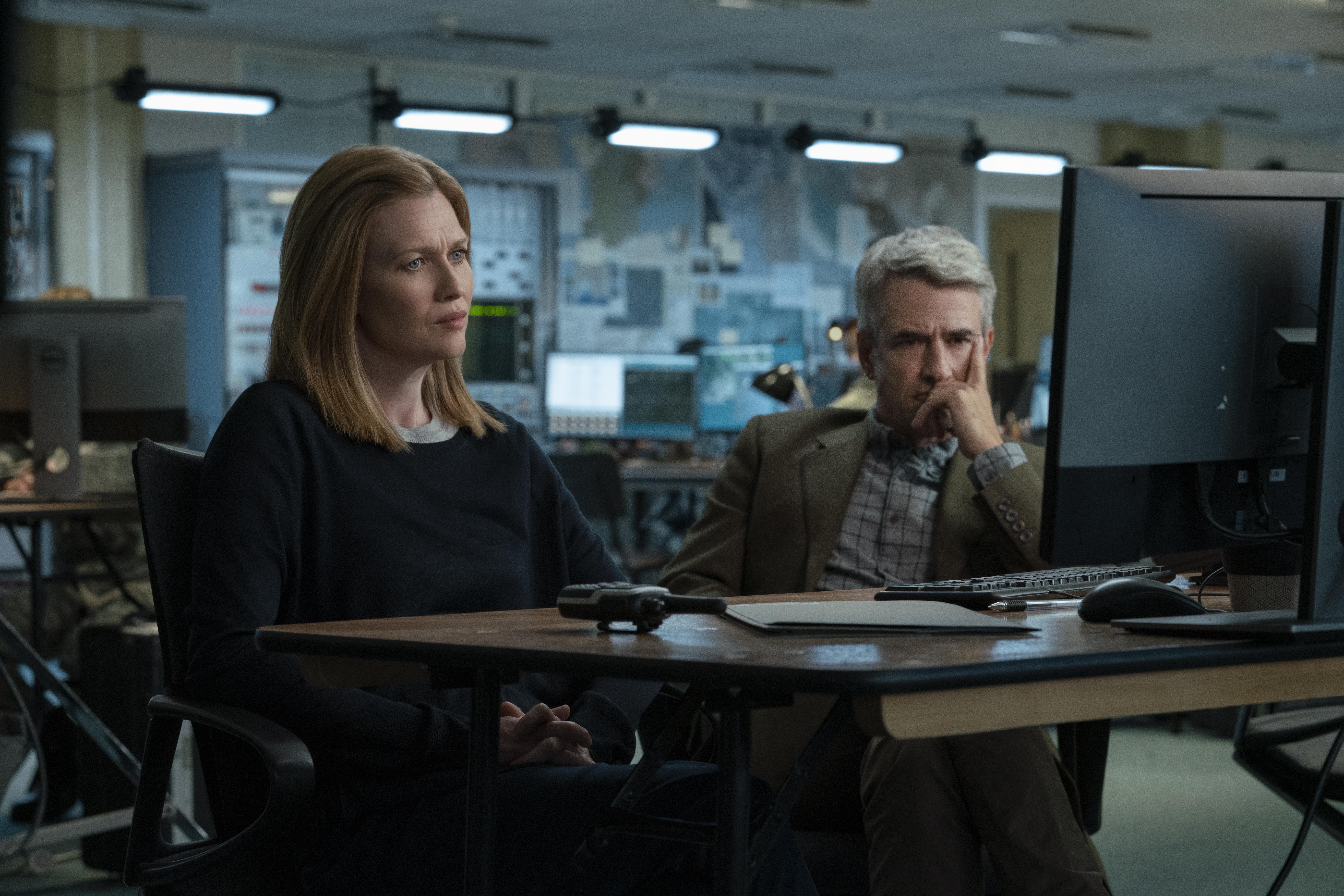 Dermot Mulroney and Mireille Enos in Hanna (2019)
