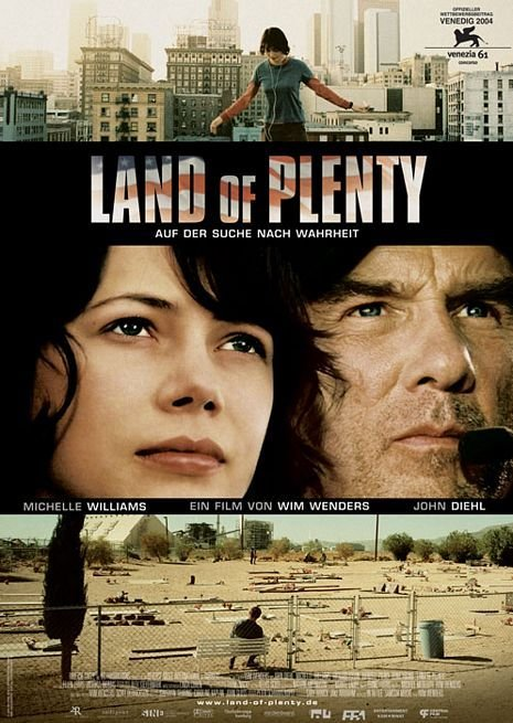 John Diehl and Michelle Williams in Land of Plenty (2004)