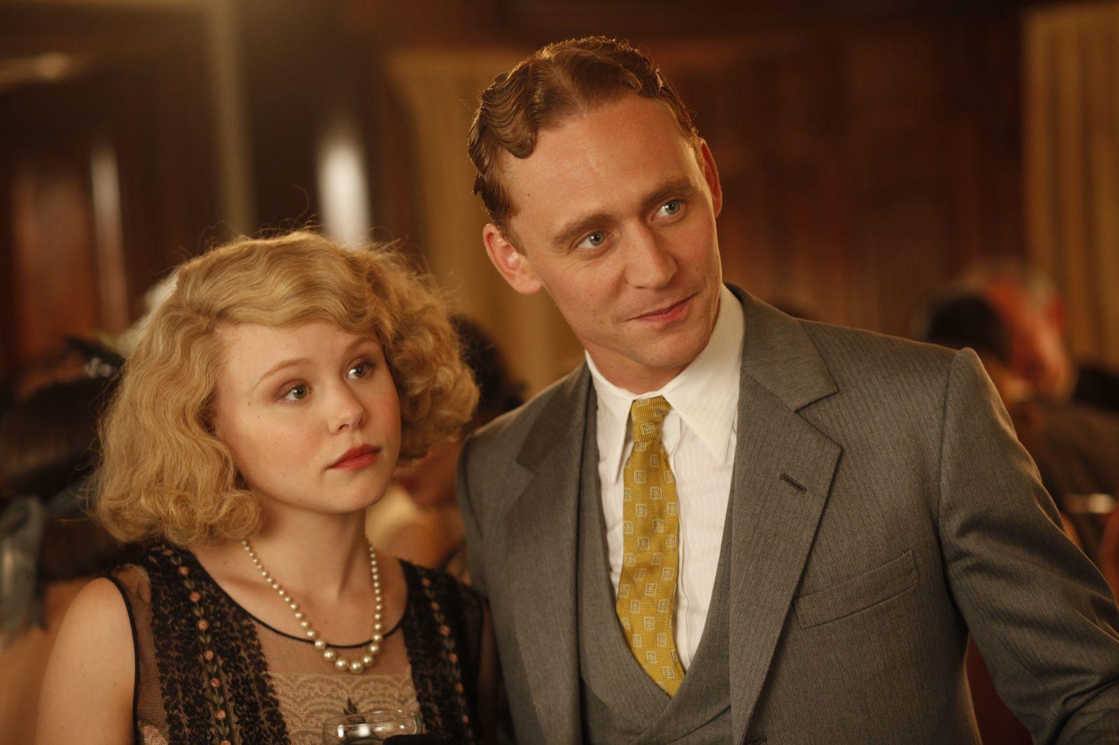 Alison Pill and Tom Hiddleston in Midnight in Paris (2011)