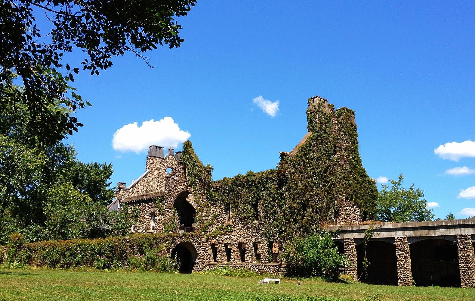 Stone Barn Castle 2015