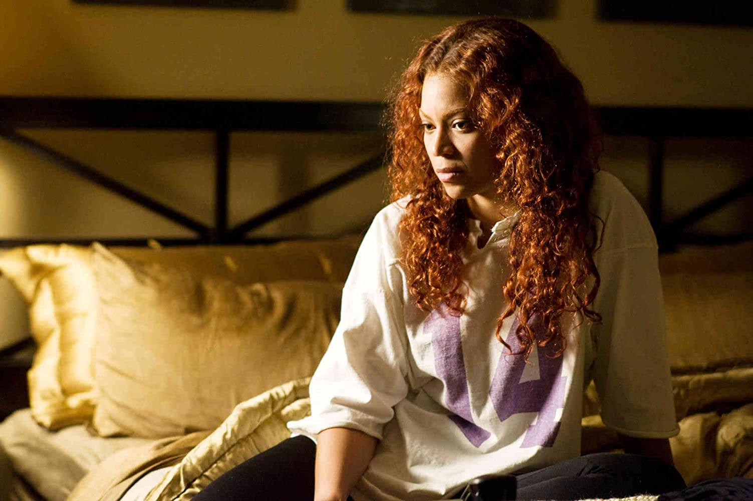 Beyoncé in Obsessed (2009)