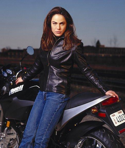Yancy Butler in Witchblade (2001)