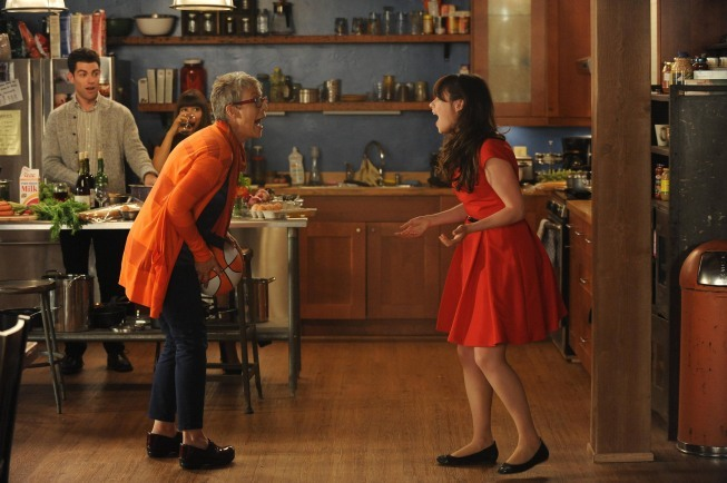 Jamie Lee Curtis, Zooey Deschanel, Max Greenfield, and Hannah Simone in New Girl (2011)