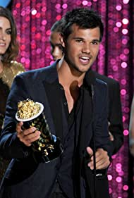 Taylor Lautner at an event for 2012 MTV Movie Awards (2012)