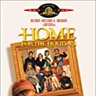 Robert Downey Jr., Holly Hunter, Anne Bancroft, Geraldine Chaplin, Charles Durning, Dylan McDermott, Zack Duhame, Emily Ann Lloyd, and Cynthia Stevenson in Home for the Holidays (1995)