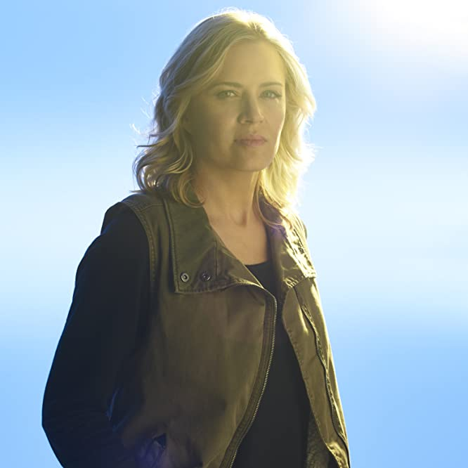 Kim Dickens in Fear the Walking Dead (2015)